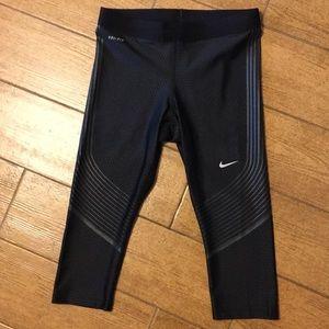 Nike DriFit Power Speed Running Capris